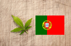 Drogenpolitik in Portugal Cannabis und Flagge