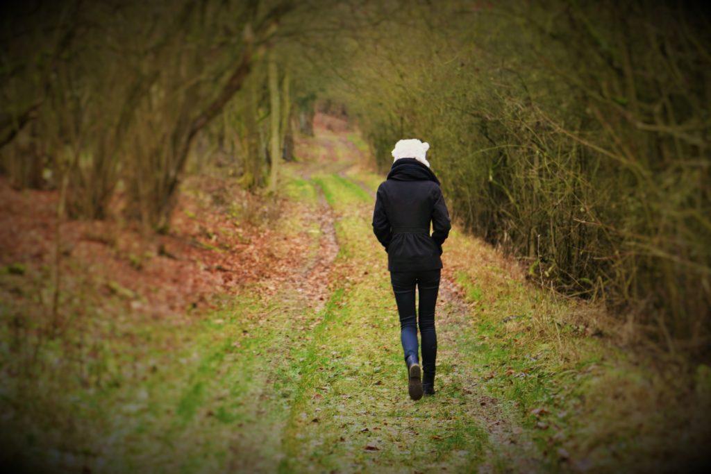 Hämorrhoiden und CBD - Rückenansicht